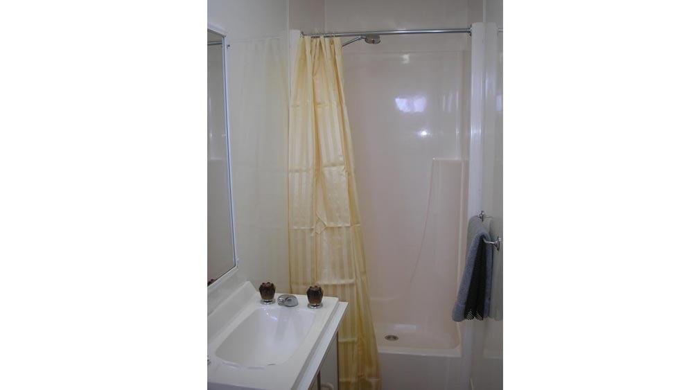 Cabin-Bathroom