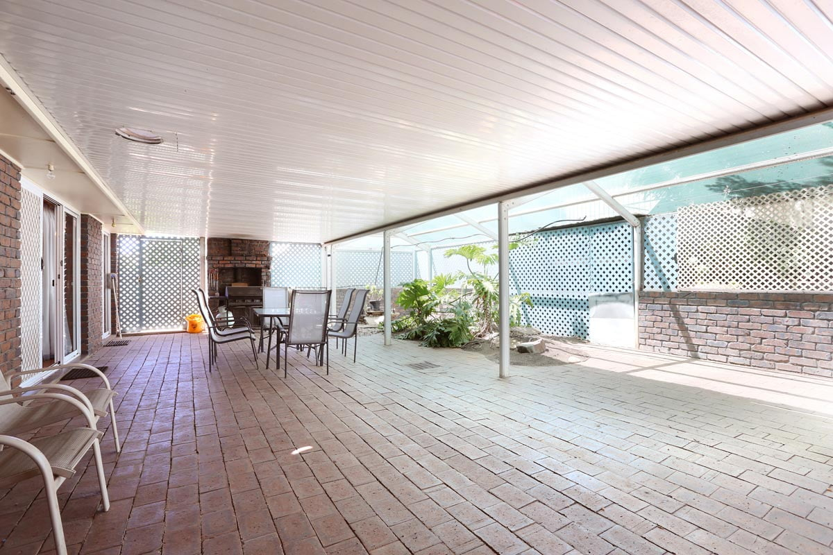 Holiday House Patio 2